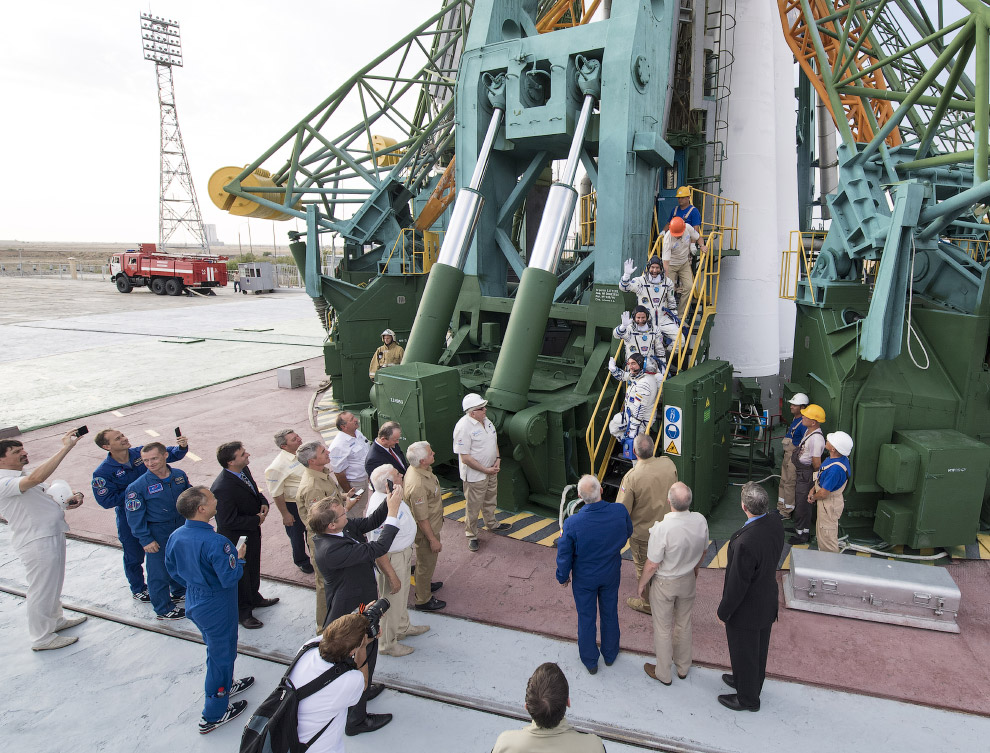 Expedition 60 Preflight