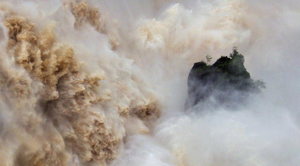 Водопад Бэррон в Квинсленде