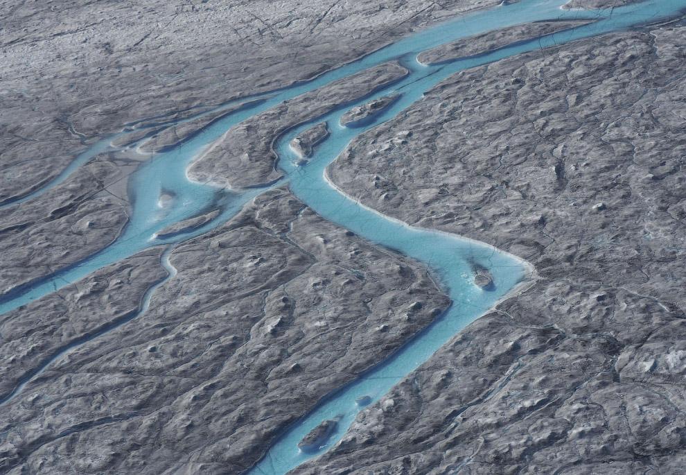 Реки талой воды с ледников