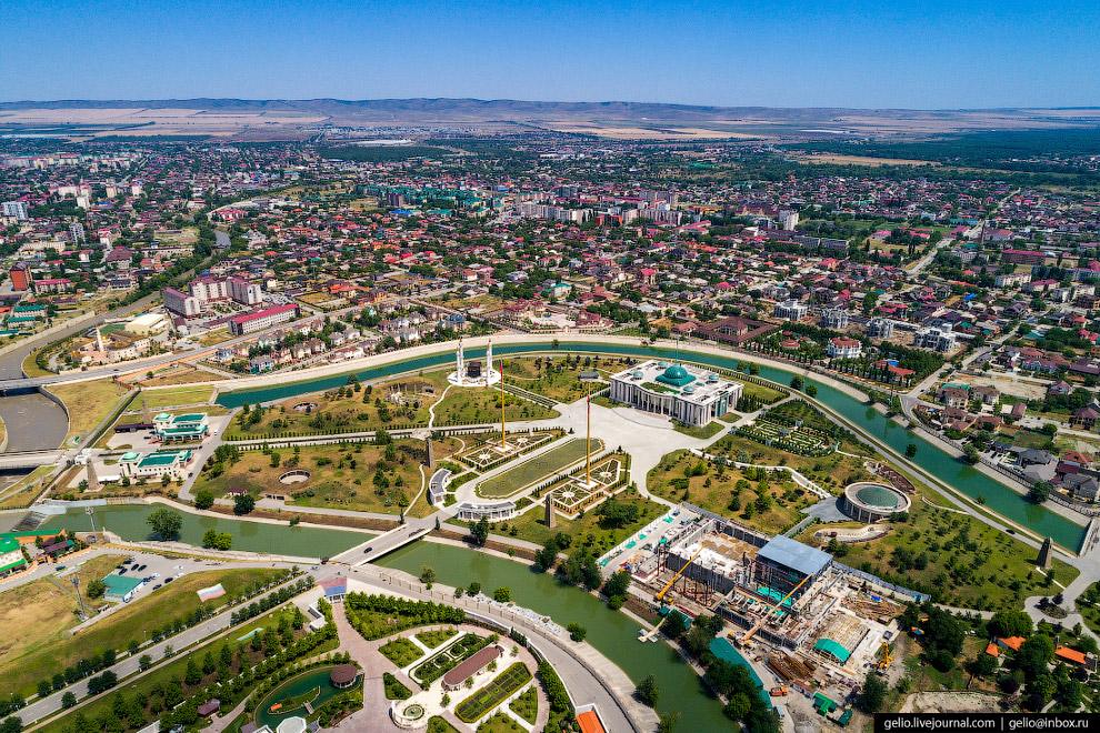 Резиденция главы Чеченской Республики Кадырова Рамзана Ахматовича.