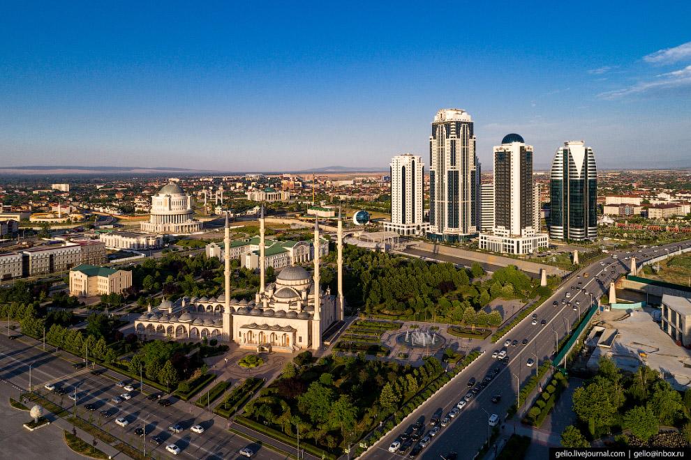 Мечеть «Сердце Чечни» — одна из самых больших мечетей России