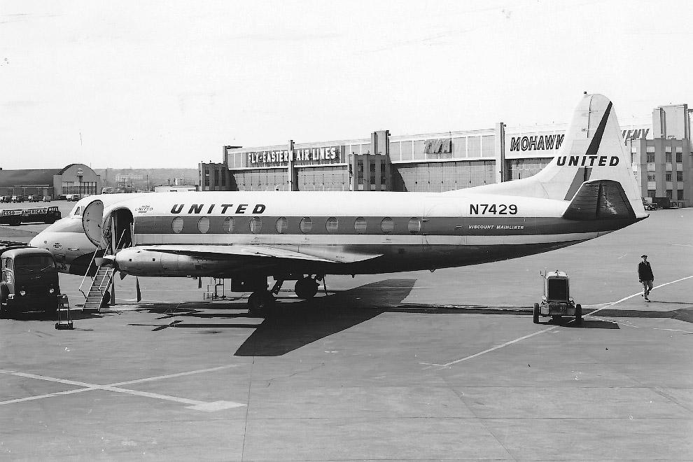 297 United Air Lines (Vickers 745D Viscount)
