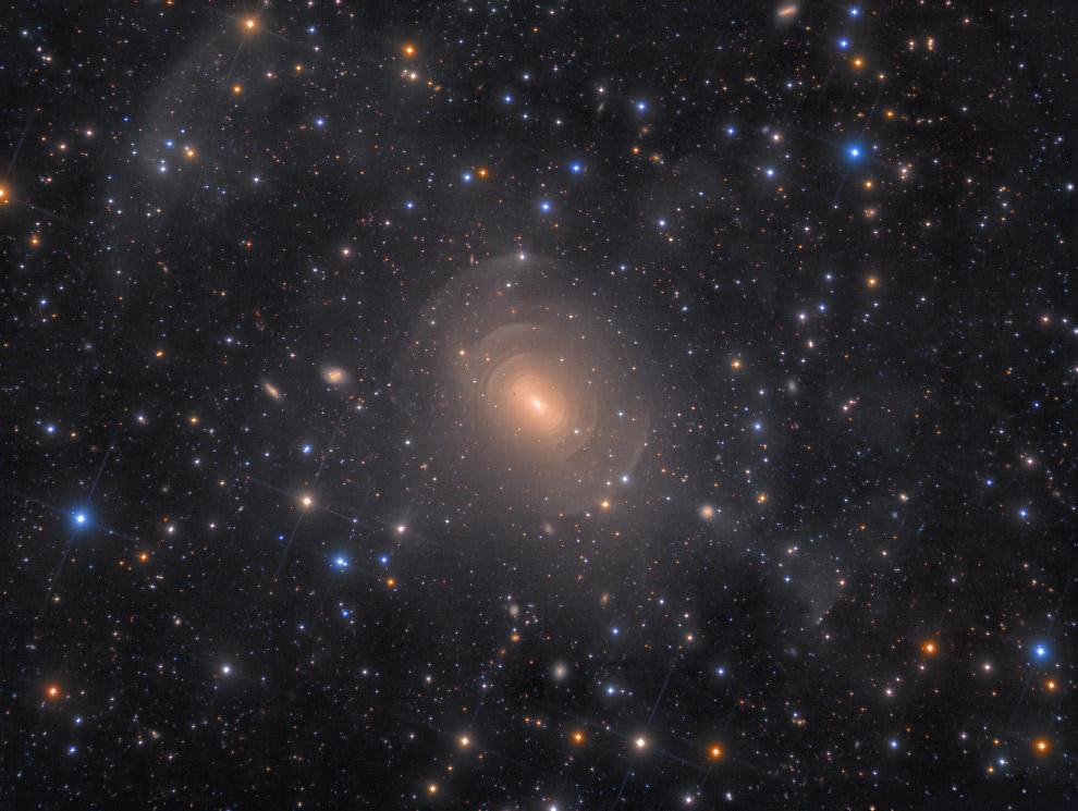 Эллиптическая галактика NGC 3923