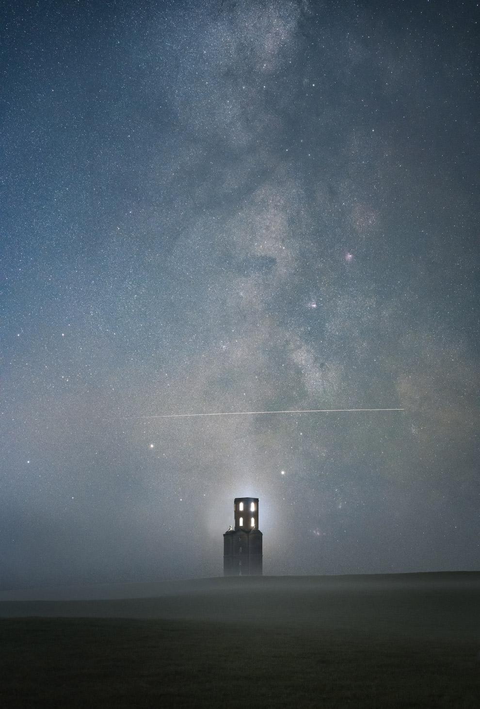 Звезды над башней