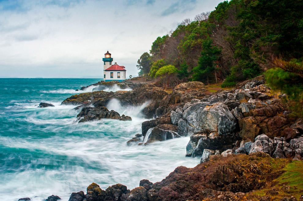 Волны на острове Сан-Хуан