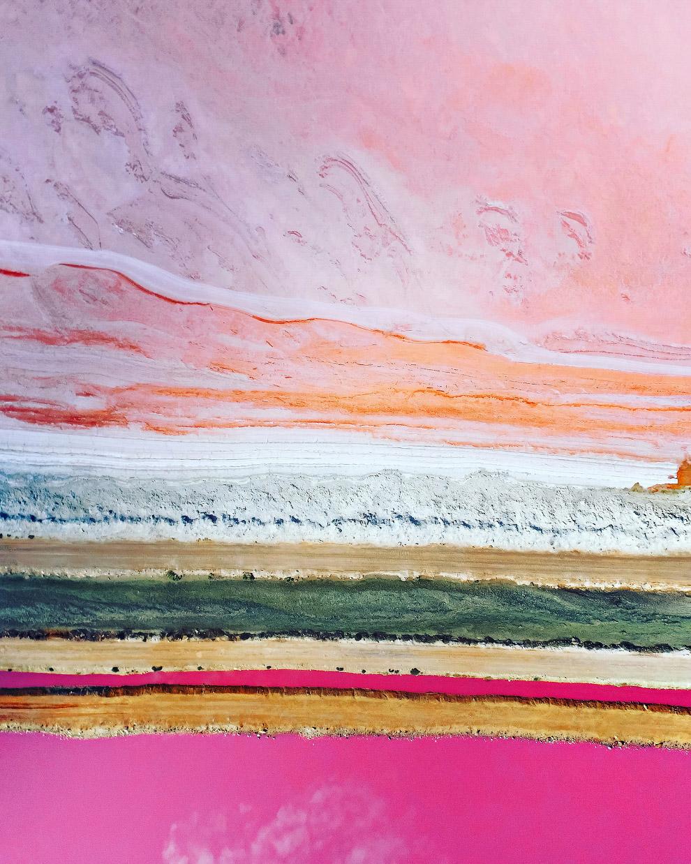 розовые оттенки розового озера под названием Hutt Lagoon, Западная Австралия.