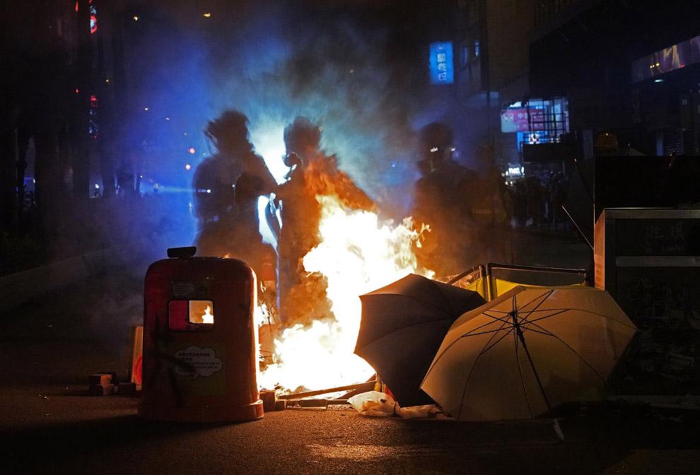Багаття розпалили на вулиці