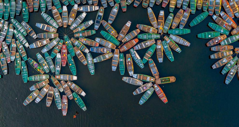 «Речные Цветы» из лодок