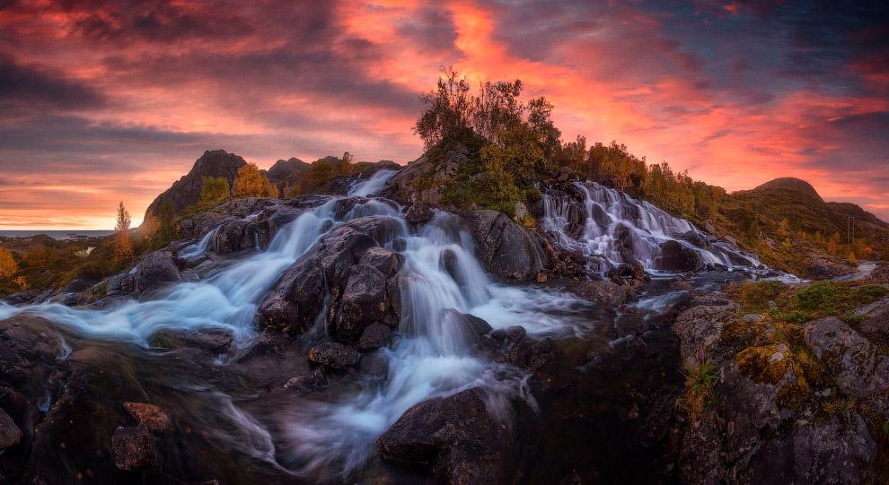 Водопад на Лофотенских островах, Норвегия