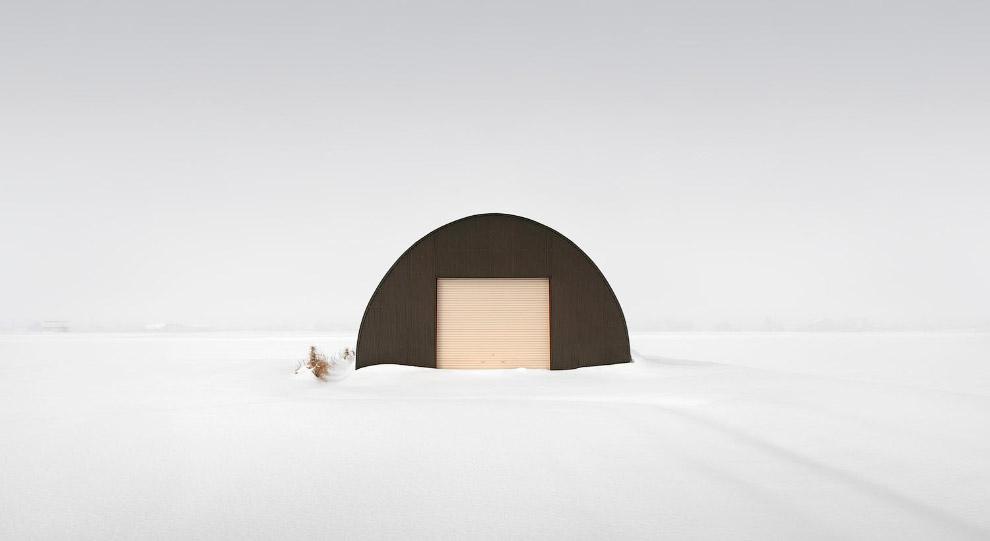 Хатина в снігу