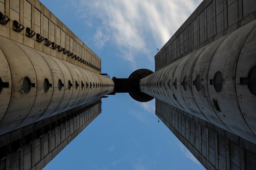 Небоскреб Genex в Белграде