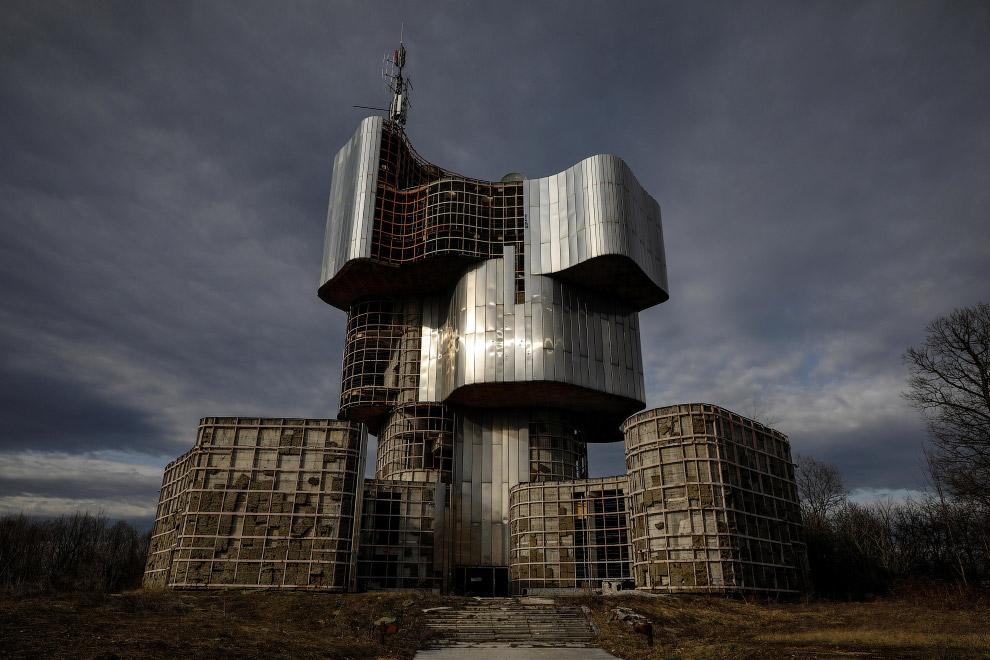 Памятник восстанию людей Кордуна и Бании