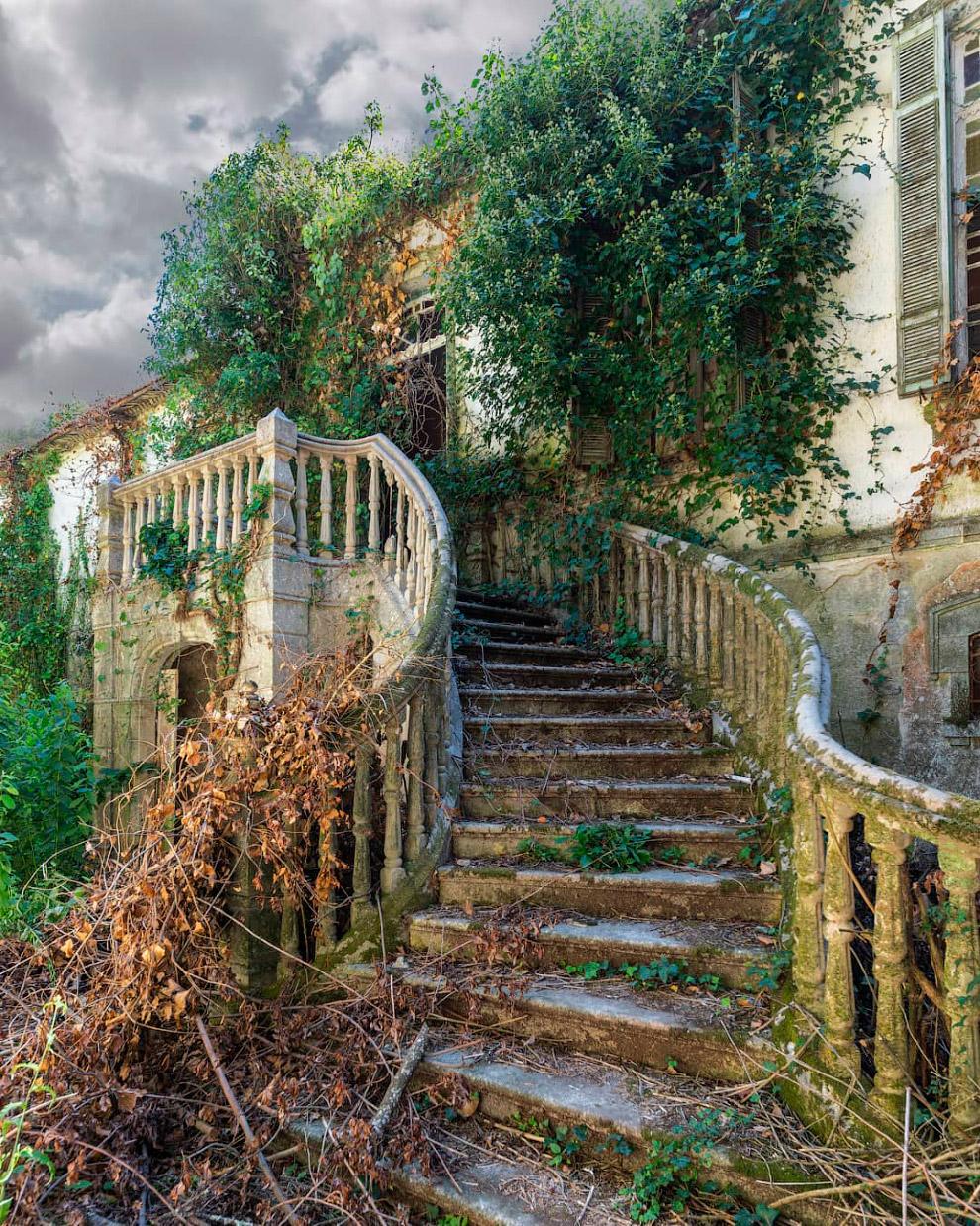 Заброшенный особняк в Португалии