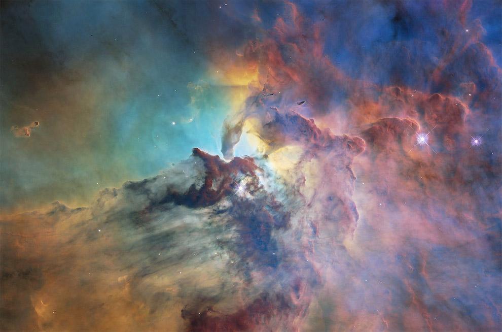 Гигантское межзвёздное облако и область H II в созвездии Стрельца