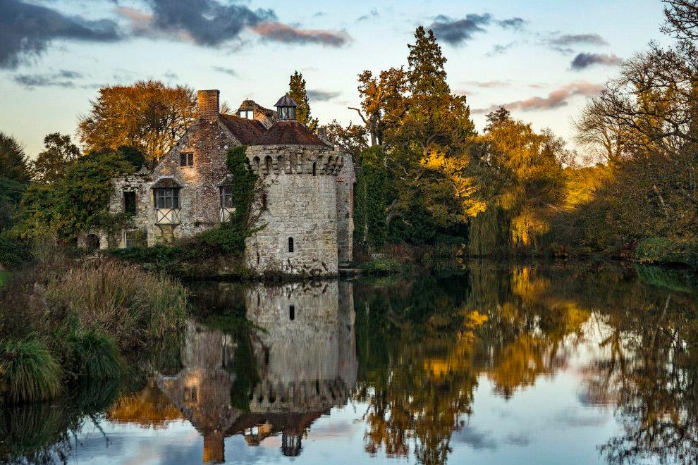 Английский замок Скотни