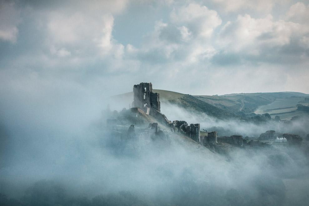Руїни замку Корф