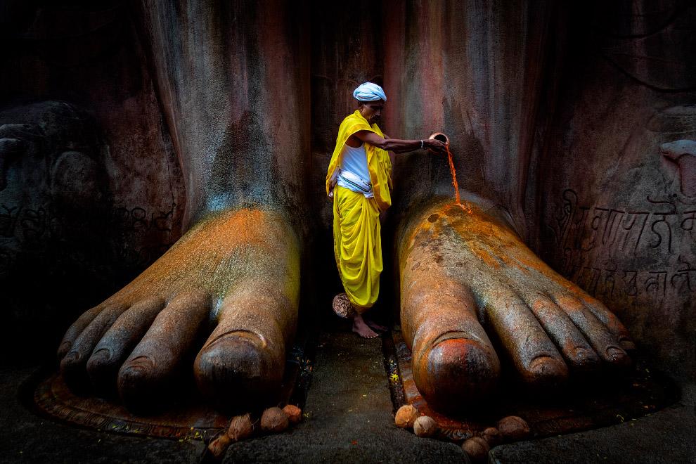 Храм Шраванабелагола в Индии