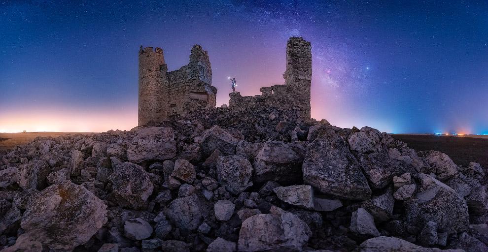Руины замка Caudilla 1450 года