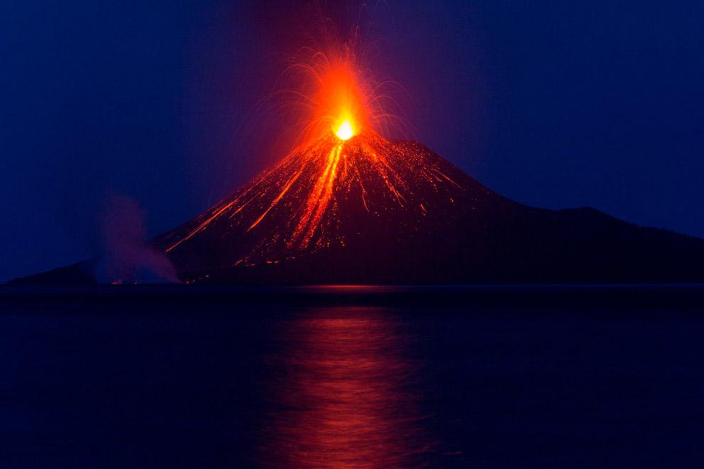 Виверження вулкана Кракатау