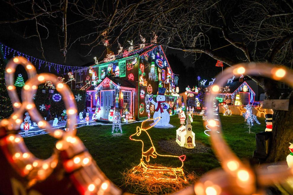 Рождественские огни в доме в Брентри, Бристоль
