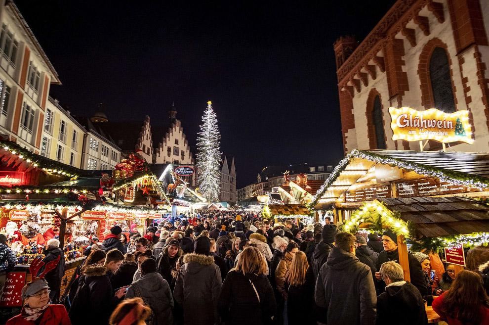 Рождественский базар во Франкфурте, Германия
