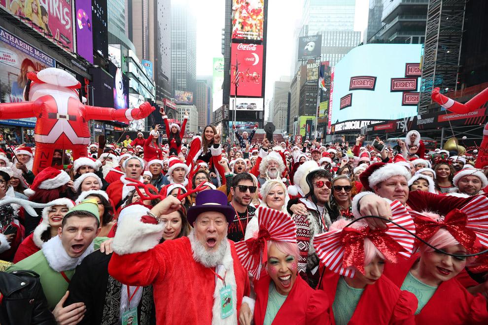 На Таймс-сквер в Нью-Йорке новогодняя движуха