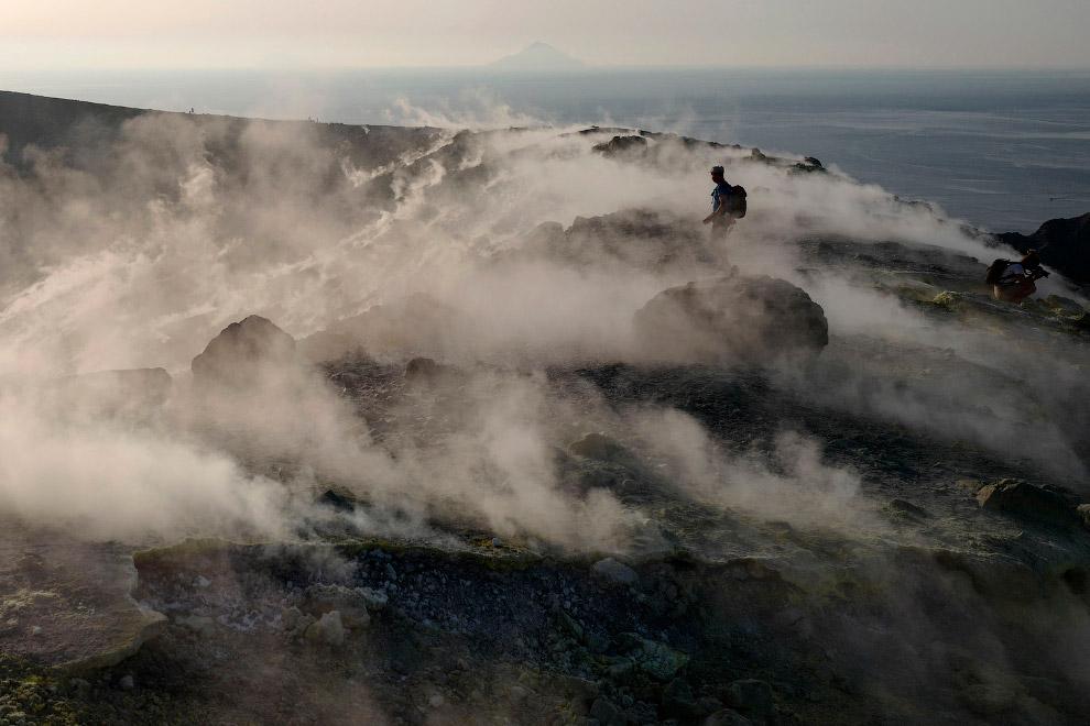 Вулканический остров Вулкано