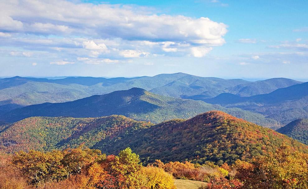 Вид с Brasstown Bald - самой высокой горы в Джорджии