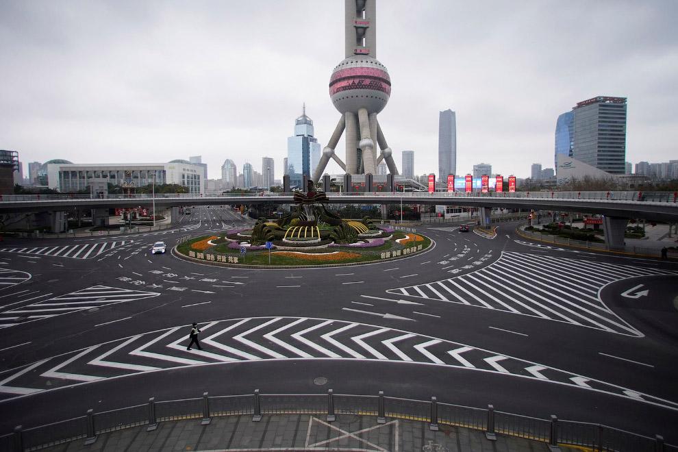 Пустые улицы в Пудуне, Шанхай, Китай