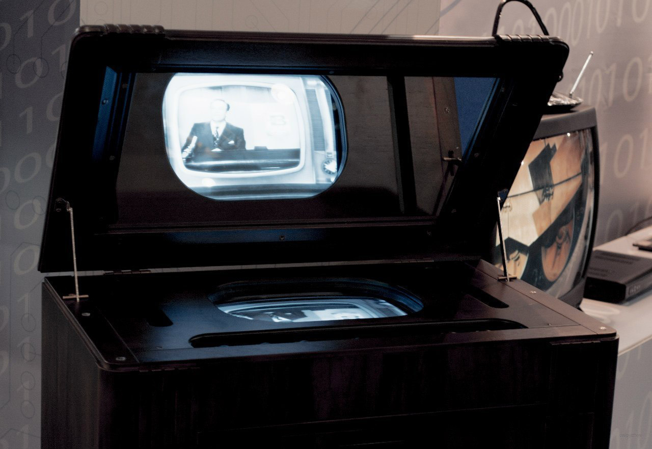 ТК-1 — один из первых советских серийных телевизоров