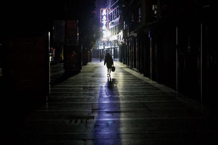 На улицах пусто. Город Цзюцзян
