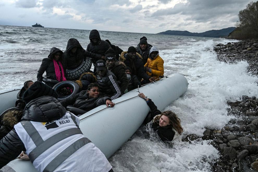 Приплыли в Грецию. Мигранты из Гамбии и Республики Конго