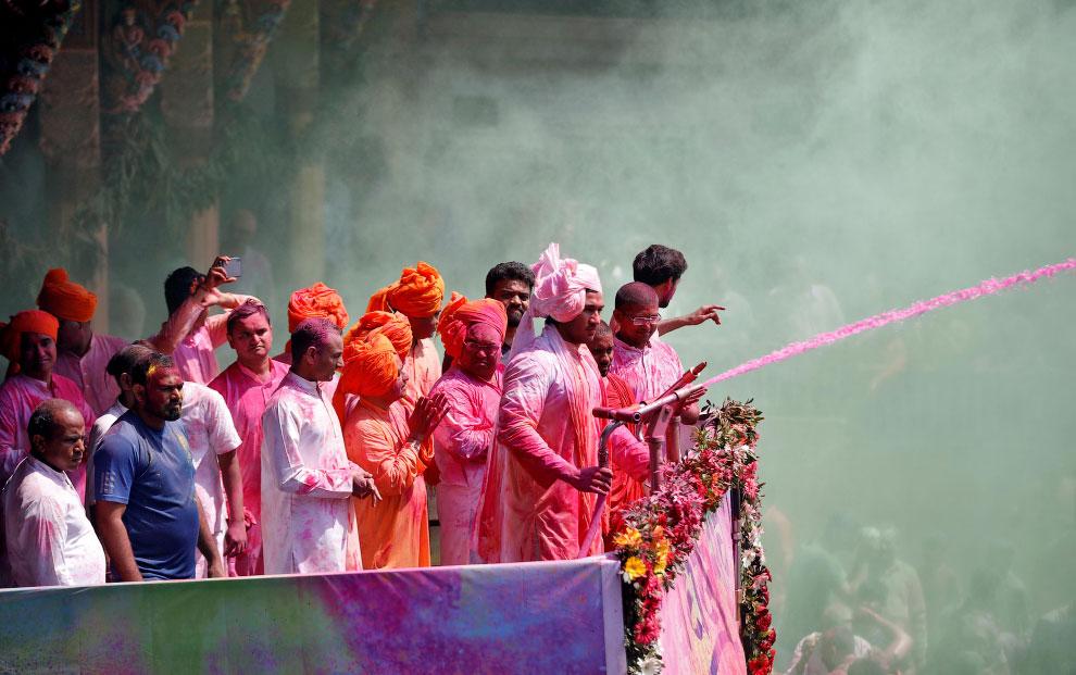 Фестиваль красок Холи 2020