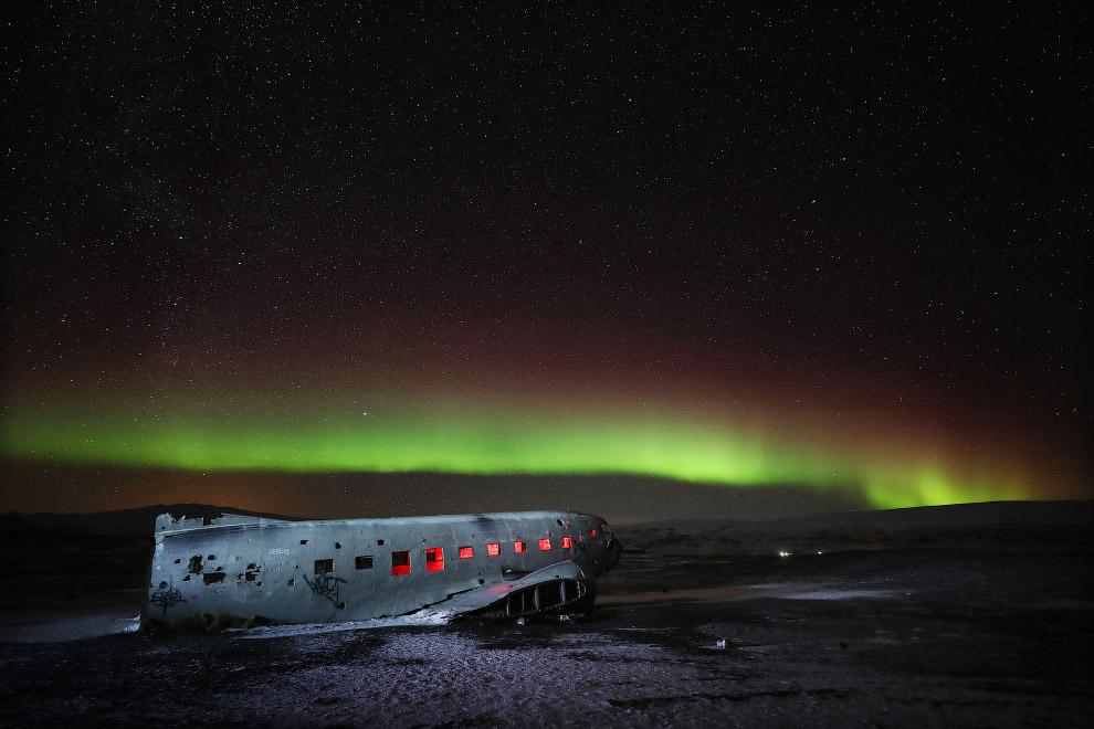 Обломки самолета Douglas Super DC-3