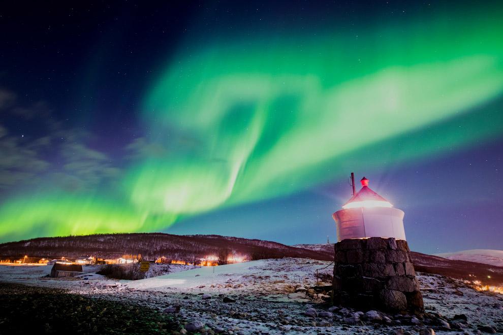 Сияние около Тромсо в северной Норвегии