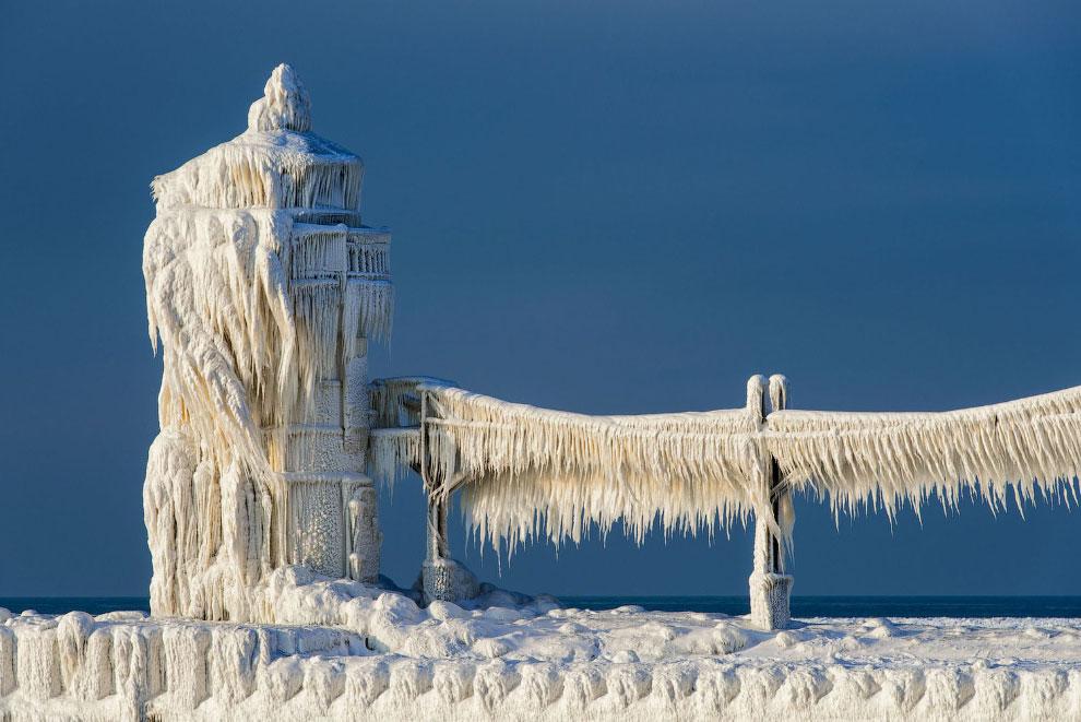 Замороженный маяк