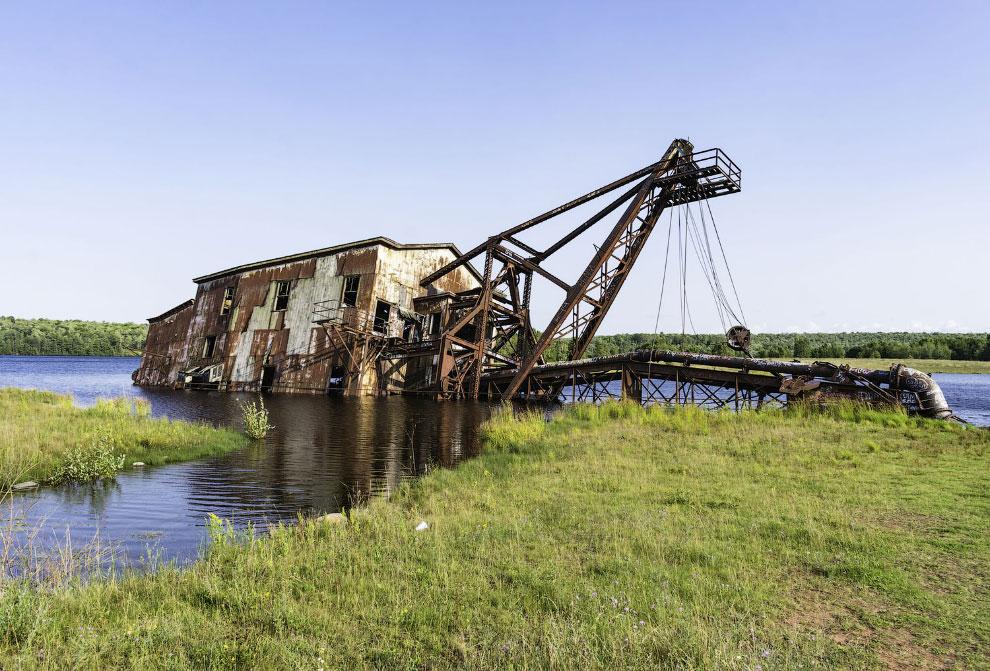 Железный монстр, заброшенный в 1960-х годах