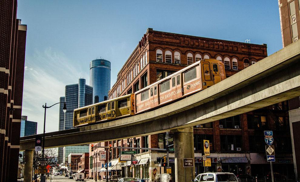 Крупнейший город — Детройт.