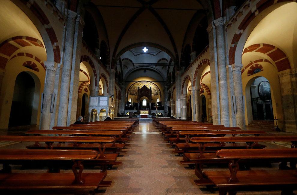 Пустая церковь в Милане, Италия