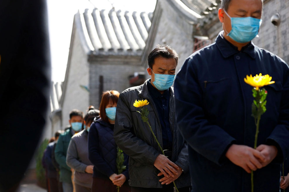 Национальный траур по погибшим от коронавируса в Китае