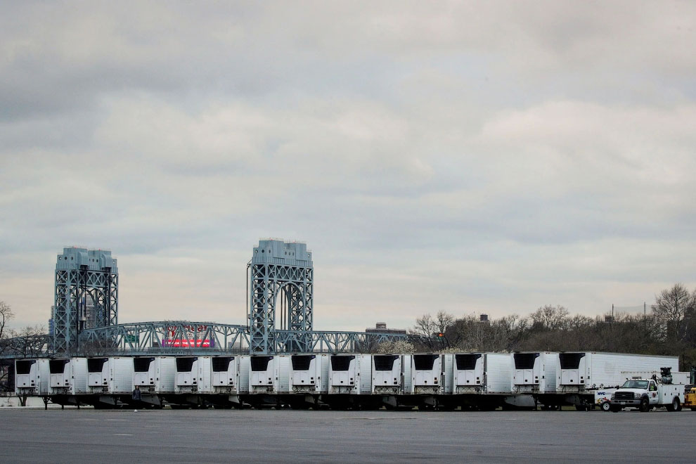Передвижные холодильники-морги в Нью-Йорке