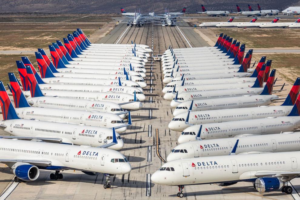 Самолеты авиакомпании Delta на приколе