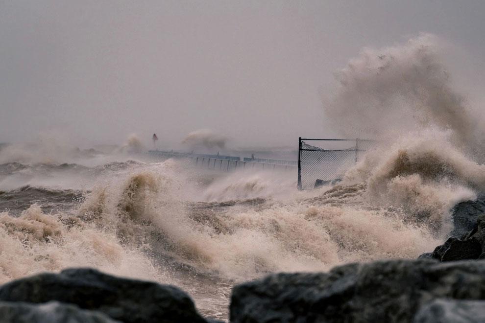 Зимний шторм на озере Мичиган