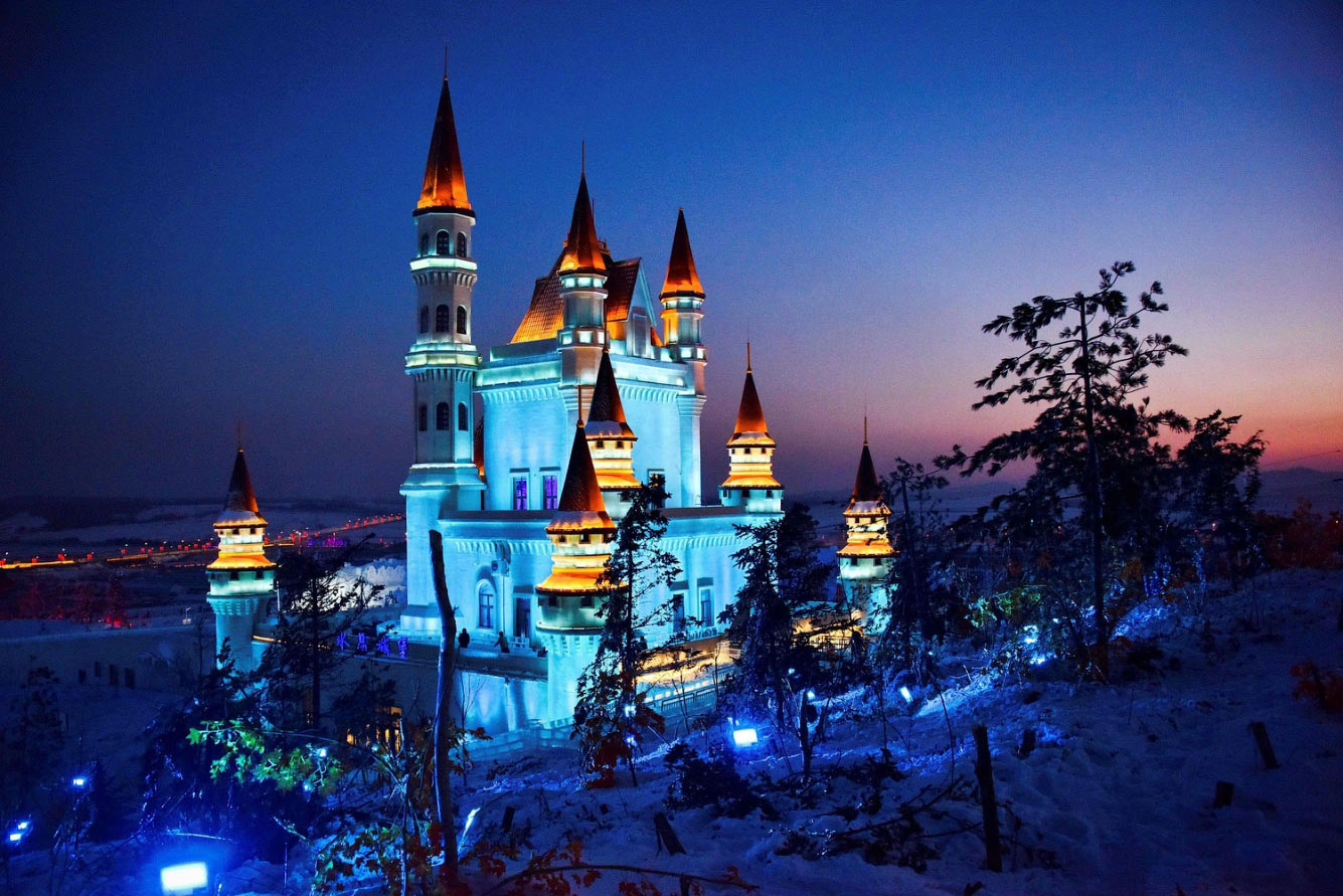 Ледяной замок в Чанчуне, Китай