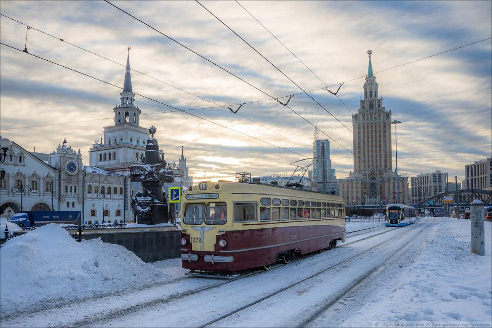 В Москве появился трамвай прошлого века — МТВ-82