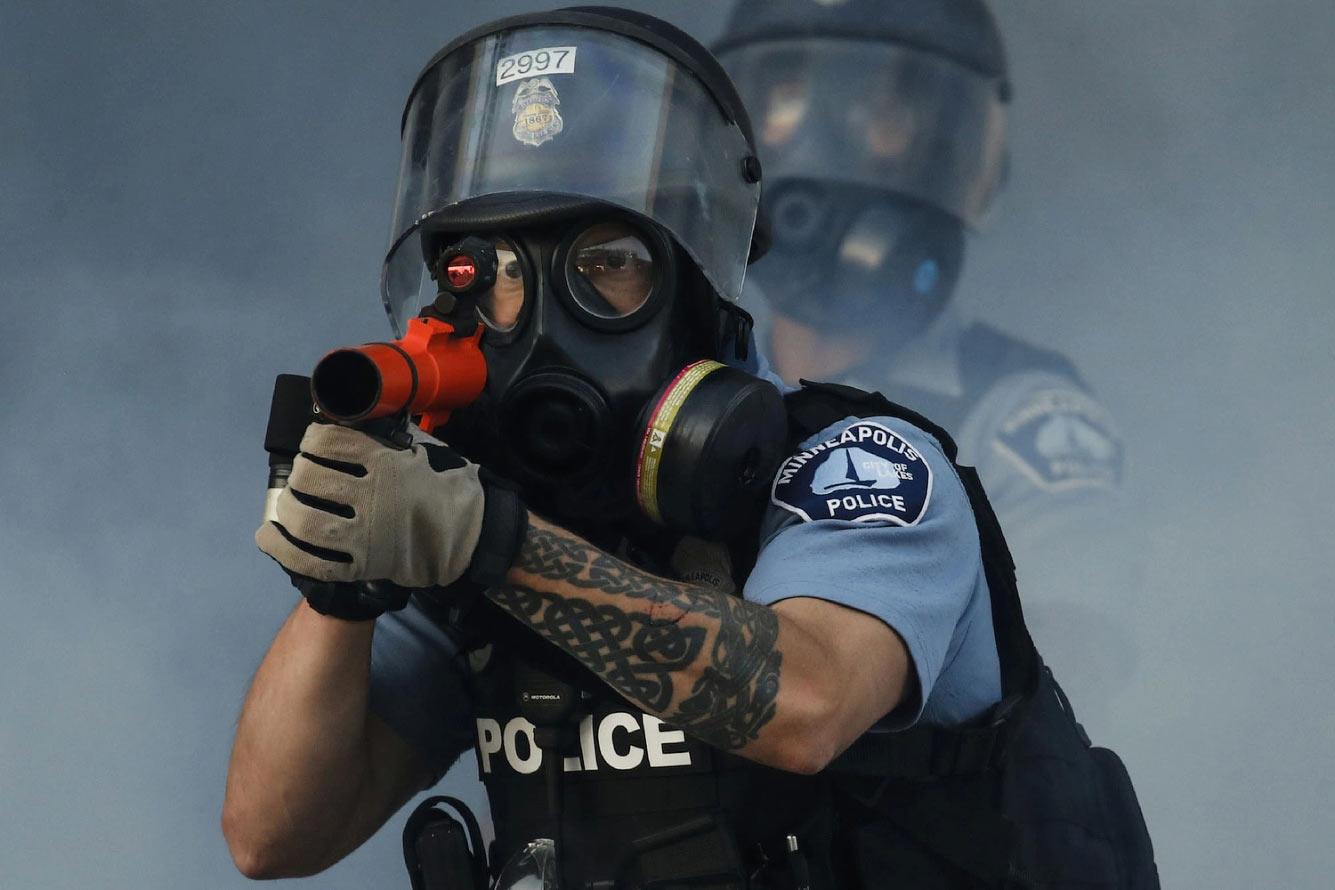 Протесты из-за убийства полицейскими Джорджа Флойда