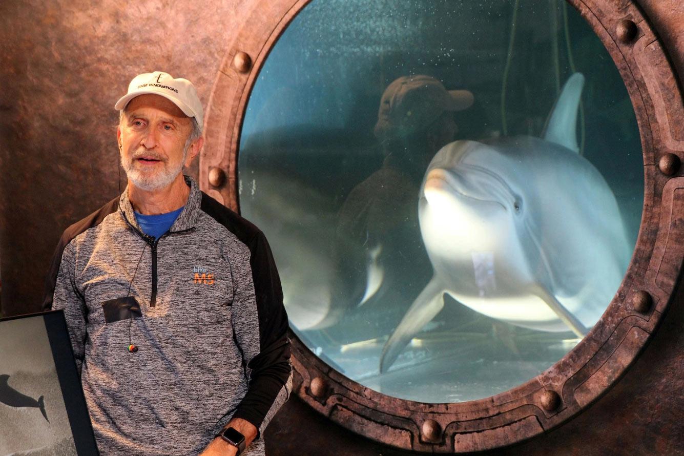Робот — дельфин в Калифорнии