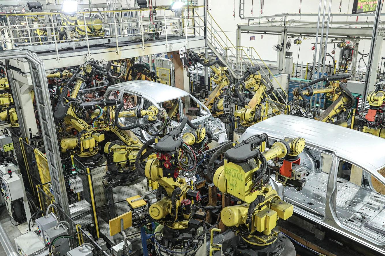 Роботы на китайском заводе в провинции Ляонин, Китай