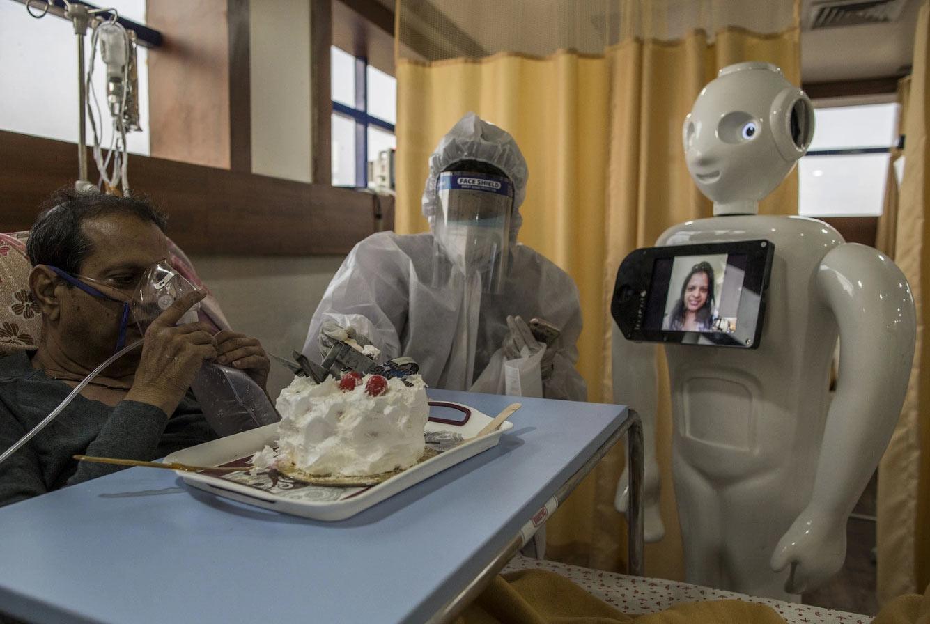 Робот-помощник в Нью-Дели, Индия