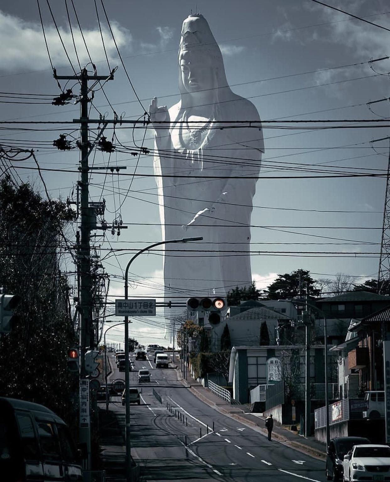 Статуя богини Каннон